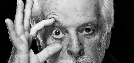 Svět knihy jako oslava komiksu. Poprvé se s českými čtenáři setká Alejandro Jodorowsky