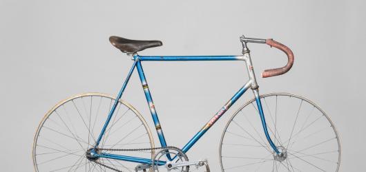 Závodní i krasojezdecká. Historii jízdních kol Favorit přibližuje výstava v Národním technickém muzeu