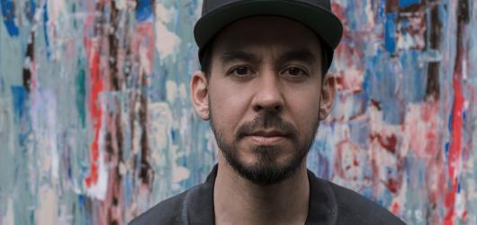 Mike Shinoda z Linkin Park dorazí do Prahy se svým sólovým projektem