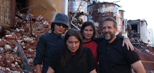 Pixies odzvonilo. Kim Deal představí Česku kapelu The Breeders