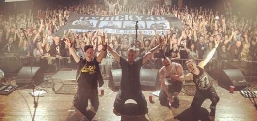 Je to nejlepší koncert tohoto turné, zařvaly dojatě Rybičky 48 na prvním koncertě Best Fuck Off Tour
