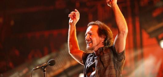 Pearl Jam rozproudili O2 arénu, Eddie Vedder vzpomínal na Havla