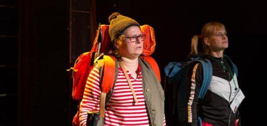 Starý holky Markéty Bidlasové jsou nenáročnou komedií s nejasným koncem