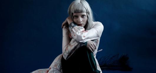 Magická Aurora bleskově vyprodala klub Roxy. Její koncert se přesouvá do Fora Karlín