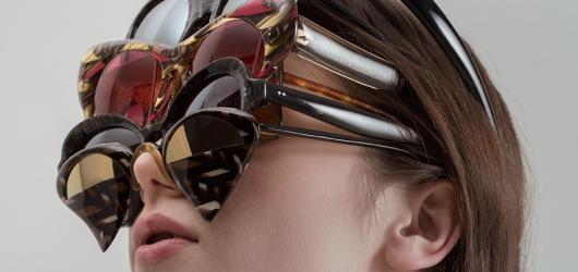 Grand designérkou roku se stala autorka osobitých šperků i extravagantních brýlí Nastassia Aleinikava