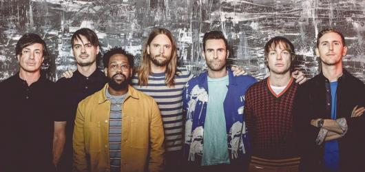 Maroon 5 dorazí poprvé do České republiky! Představí album Red Pill Blues i největší hity své kariéry