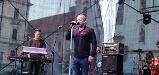 David Koller zaplnil Masarykovo náměstí v Uherském Hradišti
