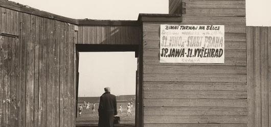 Květnové výstavy v západních Čechách: fotografie všedního dne i sovětští umělci mimo oficiální proud