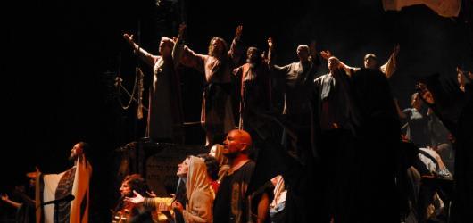 Nabucco na Vypichu šlehal ohně. Prim ale hrála hudba a skvělé pěvecké výkony