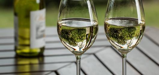 Vyrazte za dobrým jídlem, pitím i zábavou. 6 tipů, kde v Praze oslavit sv. Martina