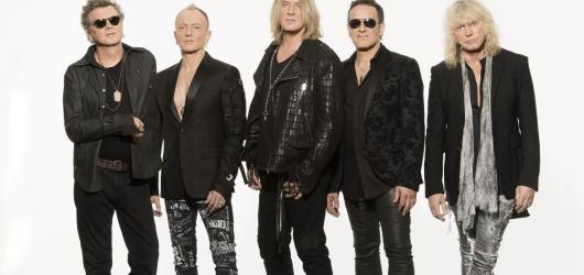 Def Leppard spojí síly s kapelou Whitesnake. Společně zavítají také do Prahy