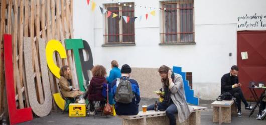 Festival ilustrace LUSTR 2018 zahájen. Zve na souhrnnou výstavu českých i zahraničních ilustrátorů i speciální workshopy