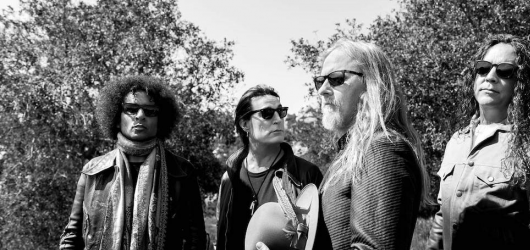 Alice In Chains se příští rok vrátí do Prahy i s poslední deskou Rainer Fog