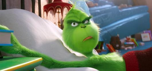 Nový Grinch divákům Vánoce neotráví. Z odpudivého a nevrlého chlápka se stala chlupaťoučká plyšová hračka