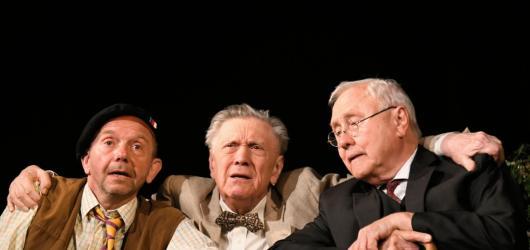 Hrdinové v Rytířské jsou realistickou komedií o nelehkém životě veteránů