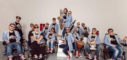 Kapela The Tap Tap vystoupí s vězeňkyněmi pro vězeňkyně. Chystá koncert ve věznici ve Světlé nad Sázavou