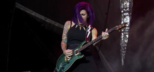 Rock for People 2018: nemocná štěňata, křesťanský rock i dánský heavymetal aneb nabitý závěr festivalu