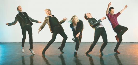 Franz Ferdinand představují druhý singl z chystané desky. Živě ho předvedou i v Praze
