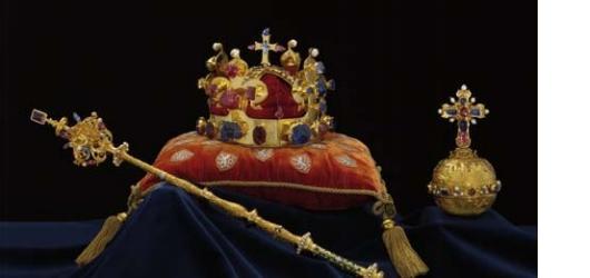 Pražský hrad zdarma vystaví korunovační klenoty i Zlatou bulu sicilskou
