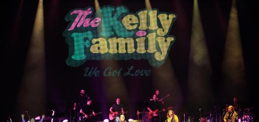 Stará láska nerezaví: The Kelly Family se po 20 letech vrátili do Prahy