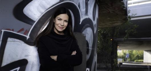 Anna K. zve na předvánoční akustické turné. Doprovodí ji kapela i dětské sbory