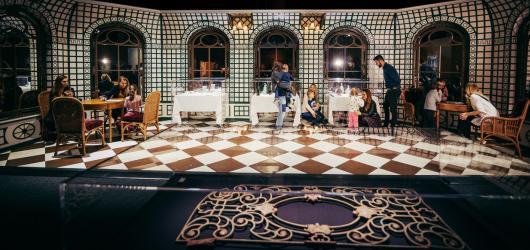 SOUTĚŽ: Zažijte slavnostní osmichodovou večeři na Titaniku v Brně
