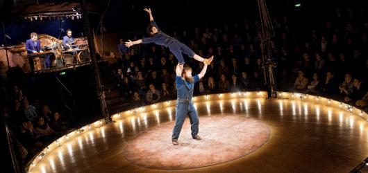 Nový cirkus obsadí Smíchovskou náplavku. Arena Divadla bratří Formanů uvede světovou předpremiéru i domácí novinky