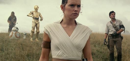 Vzestup Skywalkera. Deváté Star Wars mají název a vypustily první obrázky