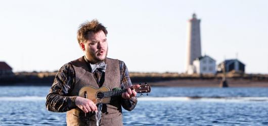 Islandský písničkář Svavar Knútur vystoupí v Česku. Doprovodí ho hudebníci z The Rocketboys