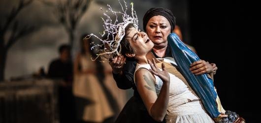 Kytice Národního divadla je výpravnou poetickou podívanou plnou silných emocí