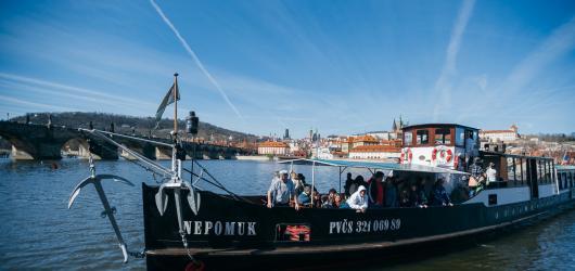 Víkendové akce v Praze: oslavy sv. Patrika, plavby lodí zdarma i výstava květin
