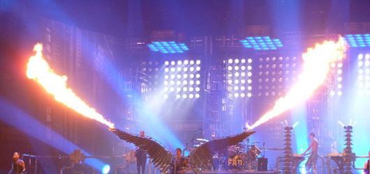 Hudební novinky, týden #29: Rammstein, bluesmeni i Colours of Ostrava