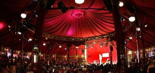 Víkendové akce v Praze: Nový cirkus na Letní Letná, pivní festival a Metallica