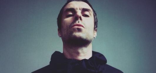 Liam Gallagher láká na novou desku dalším singlem One of Us