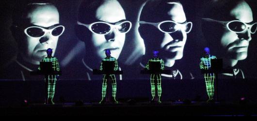 Hudební novinky, týden #25: rozloučení s KISS, hvězdami nabitý Metronome i vzpomínka na Beatles