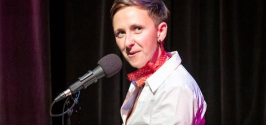 Kabaret Pepe v Divadle Kampa působí výraznými autorskými skladbami. Funguje ale i jako příjemné posezení při svíčkách