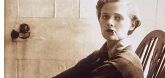 Autorka mysteriózních příběhů, kterou si oblíbil Hitchcock. Nejzdařilejší díla pozapomenuté Daphne du Maurier