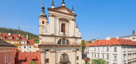 Pražská Noc kostelů láká na komentované prohlídky, koncerty, výstupy do věží i program pro děti