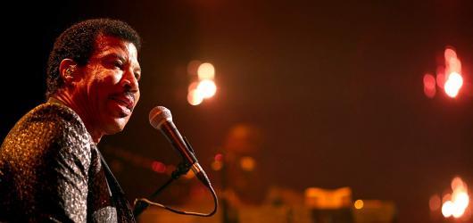 Král milostných balad Lionel Richie slaví sedmdesáté narozeniny