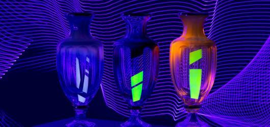 Hra se sklem, barvami a světlem. Díla mladého sklářského výtvarníka Františka Jungvirta představí karlovarská galerie