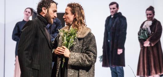 Divoká romantika ve Švandově divadle. Na Větrné hůrce stojí na hereckých výkonech