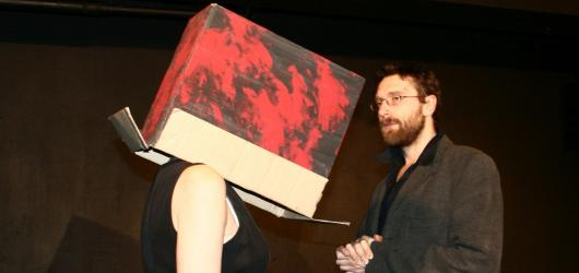 Víkendový kurz Divadla Kámen doplní nejminimalističtější inscenace z jeho repertoáru