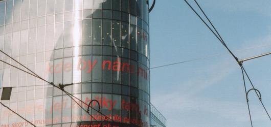 Procházky Prahou: zimním Smíchovem za poklady architektury, útulnými kavárnami,  sportem i kulturou