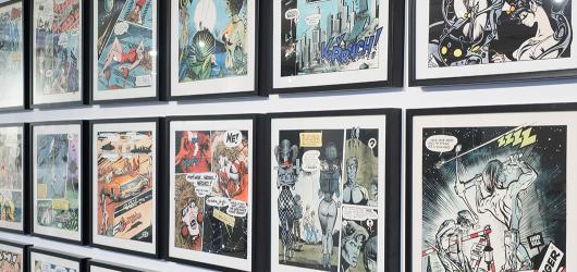 SOUTĚŽ: Vyhrajte vstupenky na výstavu Kája Saudek: Od aut po ženy v Galerii Tančící dům