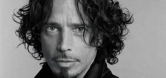 Američané točí dokument o zesnulém zpěvákovi Chrisi Cornellovi, produkci má na starosti Brad Pitt