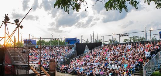 Divadelní léto představuje inscenaci pro příští rok. Plzeň promění v Hollywood třicátých let
