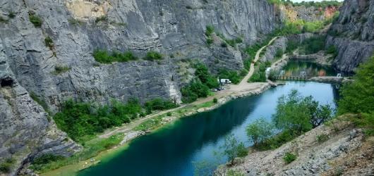 Zaručeně čisté a studené: oblasti v ČR, kam se vydat k zatopeným lomům