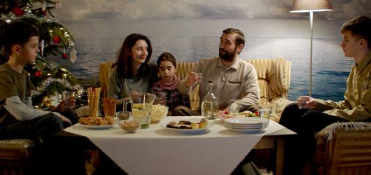 Budiž světlo bude jediným českým filmem v hlavní soutěži karlovarského festivalu. Představí se i seriál Bez vědomí od tvůrců Pustiny