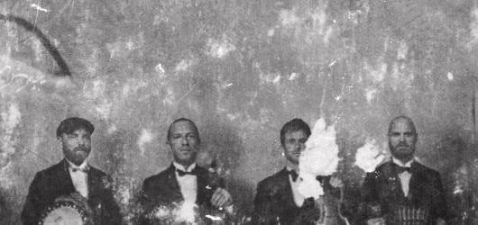 Listopadový výběr z nových desek: elektropopoví Milky Chance, Leonard Cohen ze záhrobí nebo překvapivé dvojalbum Coldplay