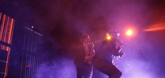 Grandiózní taneční party v režii Parov Stelar rozpálila holešovickou halu